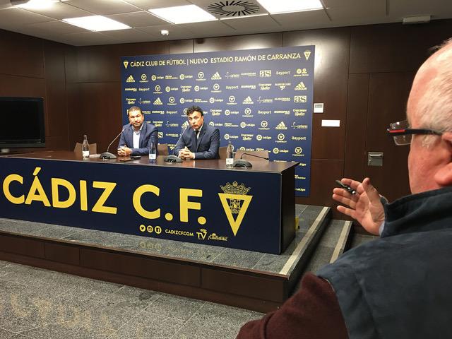 Las preguntas de Carlos Medina crisparon la rueda de prensa