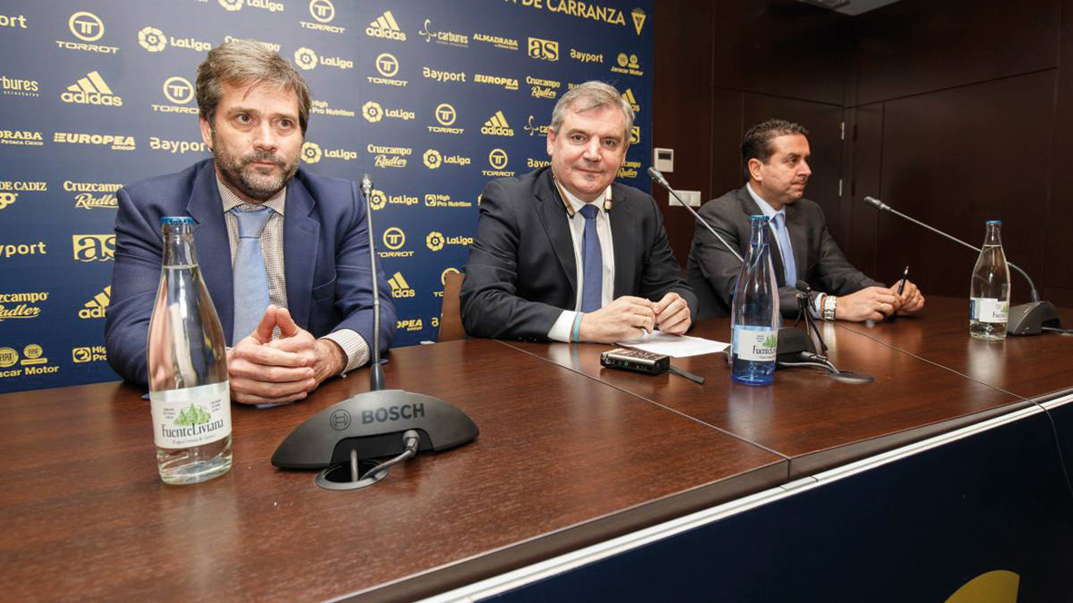 El Cádiz CF, las consecuencias de la detención de Quique Pina y partido cumbre con el Oviedo
