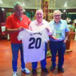 Osasuna homenajeó a Carlos Medina por los 20 años de ¡Ese Cádiz…Oé!